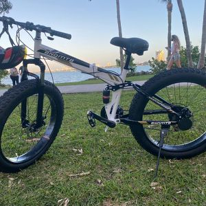 """Gunsrose 26"""" Folding Bikes With Fat Tires for Sale in Miami, FL"""