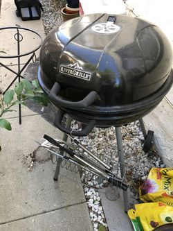 BBQ Grill with grill tool set for Sale in Los Angeles,  CA