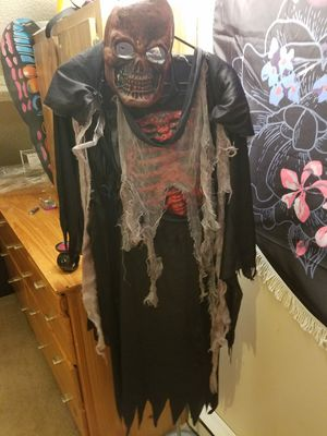 Scary skeleton Halloween costume for Sale in Union, CT