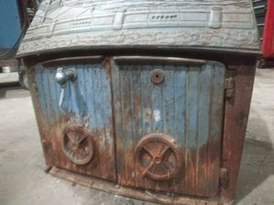 🔥vintage cast iron wood stove / fireplace 🔥- taiwan for Sale in Renton, WA