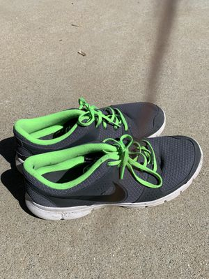 size 12 nike athletic running shoes for Sale in Menifee, CA