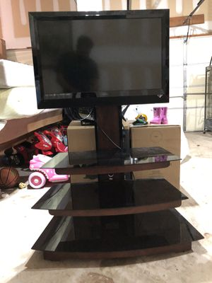 TV and glass stand table for Sale in Princeton, NJ