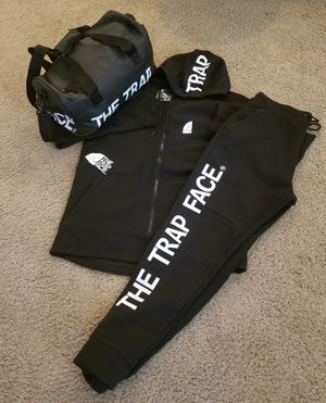 Duffle bag and sweatsuit for Sale in Cary, NC