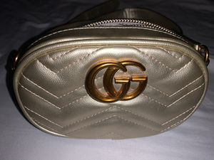 GOLD GUCCI GG FANNY PACK for Sale in Los Angeles, CA