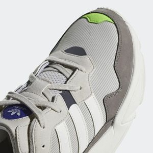 Adidas SIZE 10 FREE DELIVERY for Sale in Las Vegas, NV