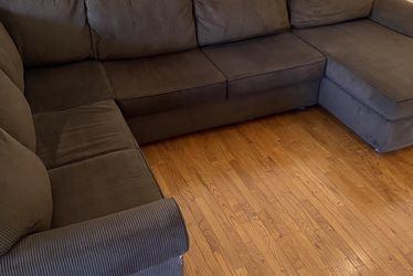 Brown Sectional Couch With Chaise for Sale in Columbia,  MD