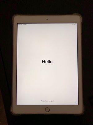 iPad Pro 9.7 inch (128 gb) Gold for Sale in Tempe, AZ