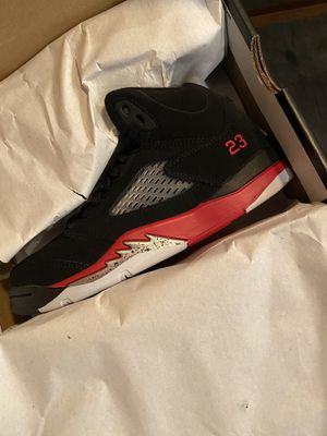Air Jordan 5 Retro Grape/Fire Red Size 3Y or 4.5 woman for Sale in Carson, CA