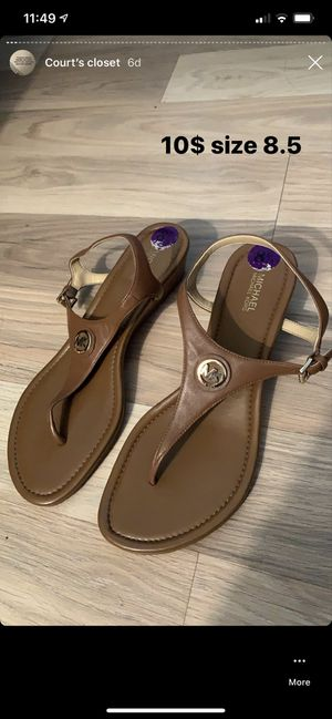 Michael Kors sandals size 8.5 for Sale in New Port Richey, FL