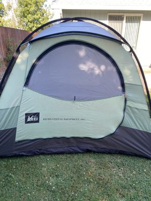 REI Base Camp 4 tent & rain sky for Sale in Vancouver, WA