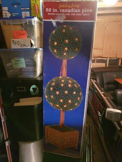 INDOOR BALL DECORATOR LIGHT TREE for Sale in Redmond,  WA