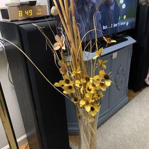 Flowers In Vase for Sale in Sunnyvale, CA