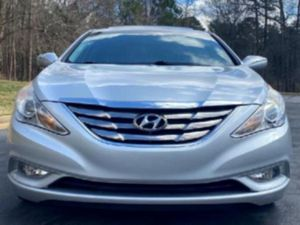 Grey interior '11 Hyundai Sonata  for Sale in Alexandria, VA