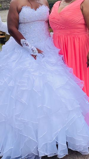 Wedding Dress Size 14 for Sale in Cleveland, OH