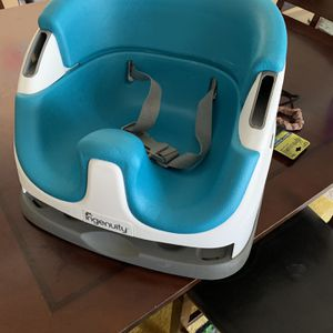 ingenuity seat booster blue for Sale in Silver Spring, MD