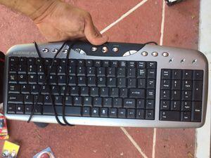 Keyboard IOGEAR computer / teclado computador for Sale in Tamarac, FL