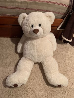 GIANT STUFFED BEAR | No stains or marks - White for Sale in Cary, IL