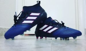 Soccer shoes for Sale in Hialeah, FL