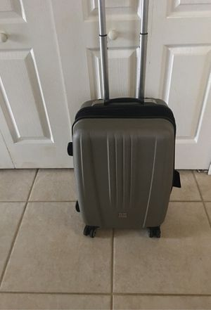Ultra light 4 wheel Rolling carryon 23x13 for Sale in Orlando, FL