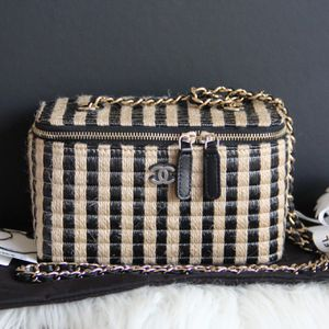 Brandnew Authentic Chanel Vanity Bag for Sale in Torrance, CA