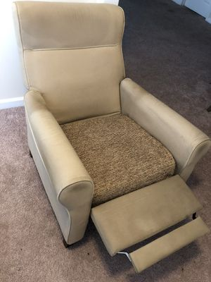 Reclining Chair for Sale in Hampton, VA