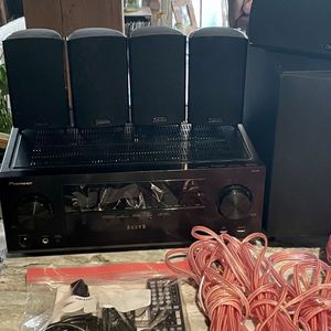 Pioneer VSX-44 AV Receiver + 5 Speakers + Sub (Like New) for Sale in Chicago, IL
