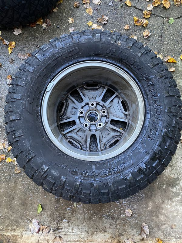 4 Jeep Rubicon JK 2015 tires and Wheels. Nitto Ridge Grappler Tires.