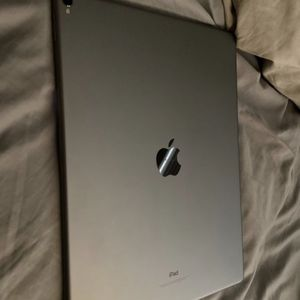 2017 iPad Pro 12.9 inch for Sale in Peoria, AZ