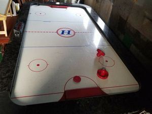 Harvard air hockey table for Sale in Erie, PA