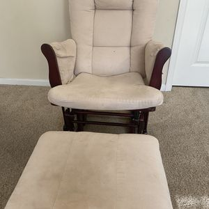 FREE Rocking Chair/Glider And Ottoman for Sale in Herndon, VA