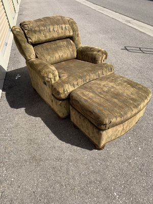 Lounge Chair with Ottoman for Sale in Chandler, AZ
