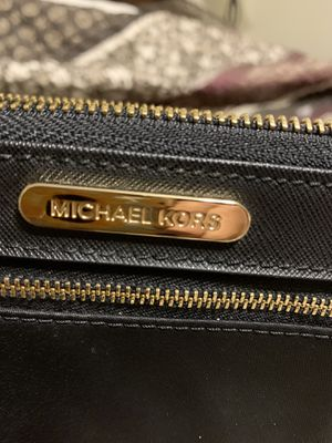 Michael kors wallet. Brand new. for Sale in Bristol, CT