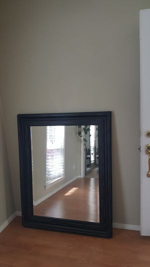 Wall mirror for Sale in Mentor, OH