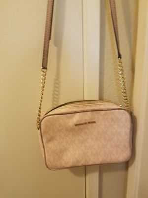 Michael Kors Messenger Bag for Sale in Menifee, CA