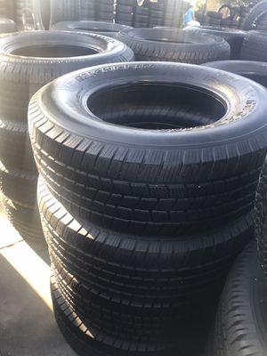 Set semi new Michelin 265/70/17 for Sale in Bell, CA
