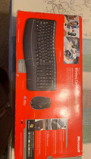 Microsoft Wireless Keyboard and Mouse for Sale in Glendale Heights, IL
