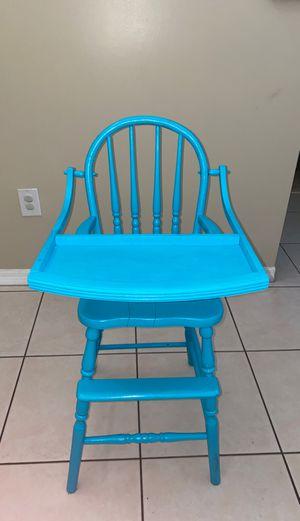 Antique high chair for Sale in Hialeah, FL