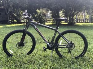 "SPECIALIZED HARD ROCK 2015 / 27.5""- Hard Tail Mountain Bike for Sale in LAUD LAKES, FL"