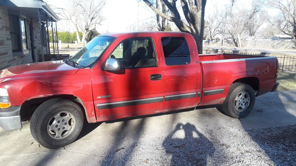 2001 Chevy Silverado 195000 miles two wheel drive 5 3