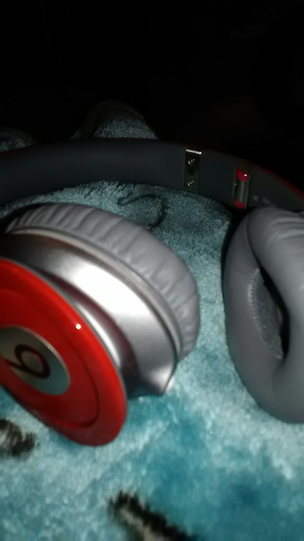 Beats red solo.