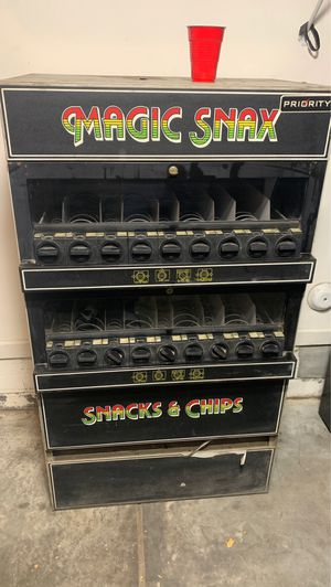 Snack & Coin only vending machine for Sale in Norfolk, VA