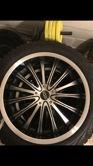 """20""""Dip black & chrome rims & Pirelle tires for Sale in Beachwood, NJ"""