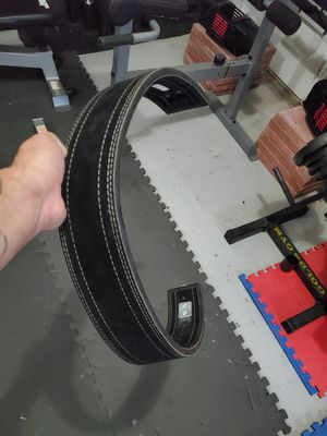 Rogue xl weight lifting belt like new for Sale in Portsmouth, VA