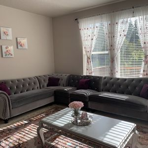 Tufted Velvet Upholstered Rolled Arm Classic Sectional Sofa dolphin gray for Sale in Beaverton, OR