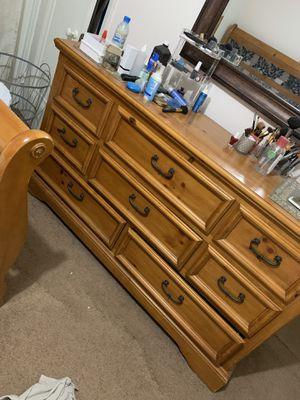 Queen bedroom set wood in good condition. 3 pieces. for Sale in Dearborn, MI