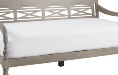 New solid Wood Daybed With Plush Memory Foam Mattress And Free Cover for Sale in Atlanta,  GA