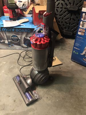 Dyson Slim Ball Upright Vacuum Cleaner with Self-Adjusting Cleaner Head,used ones for Sale in Zephyrhills, FL