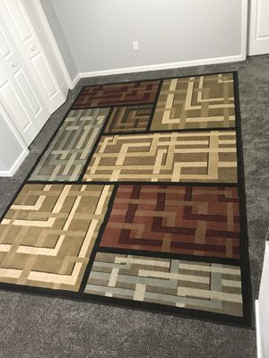 8 x 11 area rug. Great condition for Sale in Emery, SD