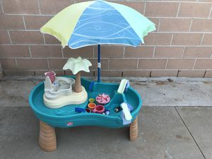 Step 2 pool and water play table for Sale in Los Alamitos, CA