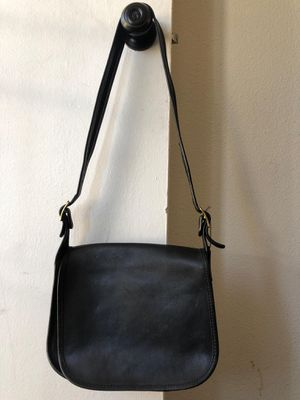 Coach - Messenger Bag Leather Purse for Sale in Bell, CA